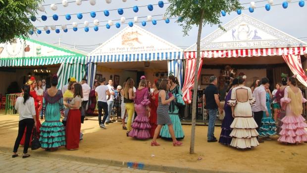 El debate se centra sobre la fecha idónea para lograr más afluencia a la Feria