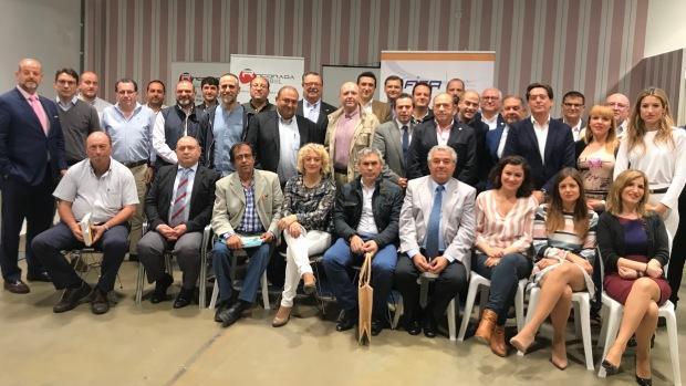 Alrededor de 30 empresarios de Alcalá y La Rinconada han participado en el encuentro