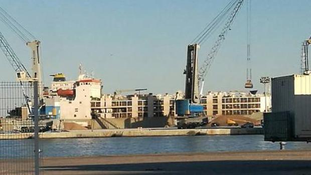El barco, en el Puerto de Málaga