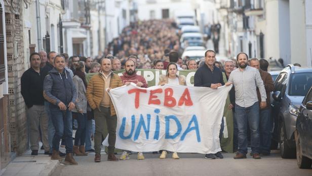 Manifestación en Teba pidiendo la declaración de zona catastrófica para los municipios de las riadas