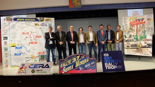 Autoridades durante la presentación del recorrido del Rallye Sierra Morena, este martes
