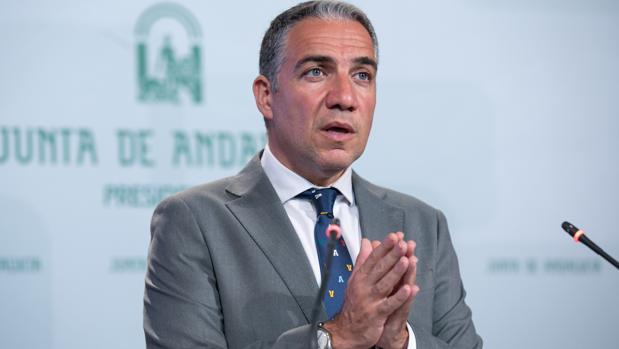 El consejero de Presidencia, Elias Bendodo de la Junta, en una rueda de prensa