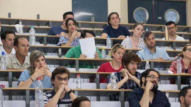 Opositores durante una prueba