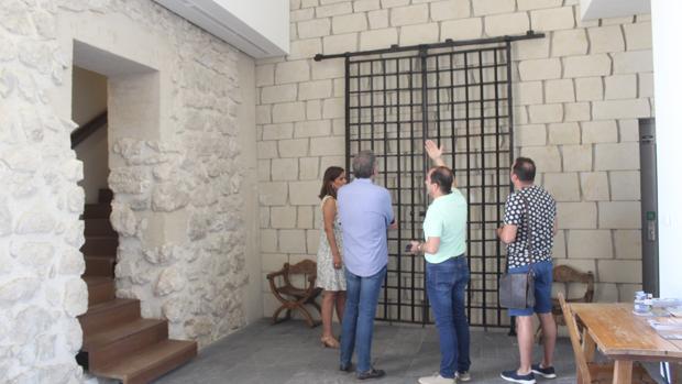 Lugar en el que se ha colocado la reja en el interior del castillo