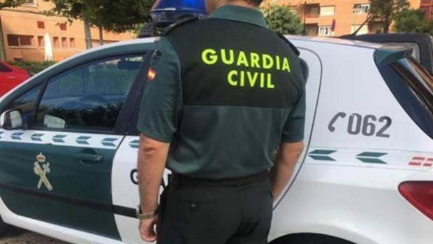 Un agente de la Guardia Civil de servicio en una foto de archivo