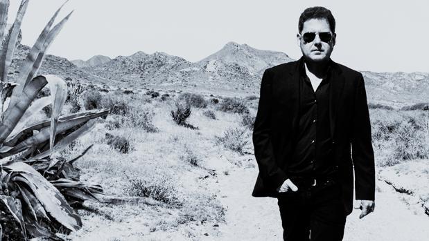 José Ignacio Lapido comenzó su carrera en Aldar, en 1981, antes de formar la mítica banda granadina 091