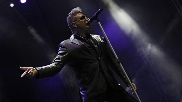 Loquillo arrancó su gira en el Auditorio Rocío Jurado