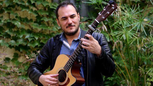 Ismael Serrano tuvo que pedir calma por un rifirrafe político entre su público en Barcelona
