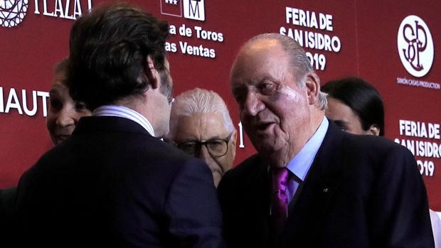 Juan José Padilla cumplimenta a Don Juan Carlos
