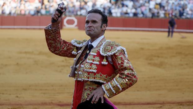 Antonio Ferrera corta una oreja en la tarde de este sábado