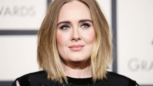 Adele durante la gala de los Premios Grammy durante 2016
