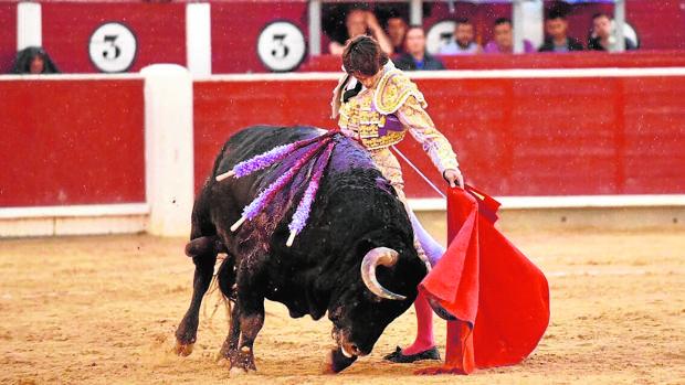 Sebastián Catella gozó del pitón zurdo del cuarto toro de Montalvo