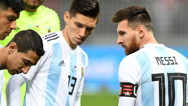 Messi, con sus compañeros de la selección argentina
