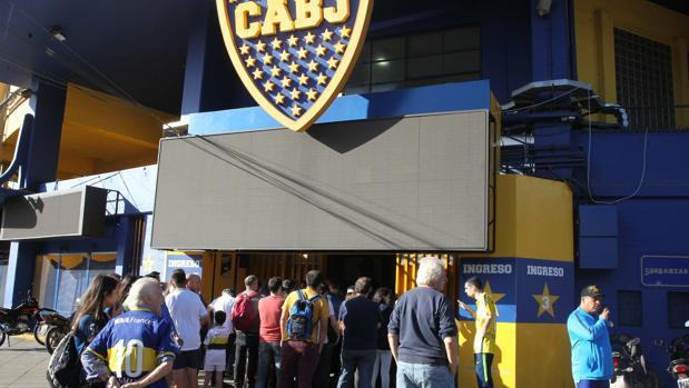 Venta de entradas en las taquillas del estadio de Boca Juniors