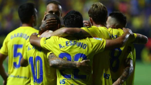 El Cádiz CF ganó 2-0 al Girona