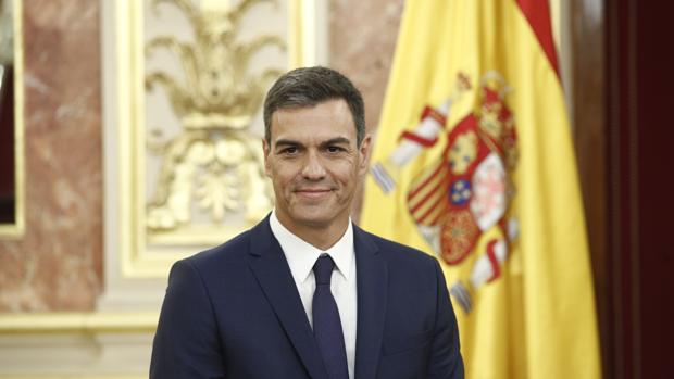 El presidente del Gobierno se reúne con la veintena de patronos de la Fundación Carolina