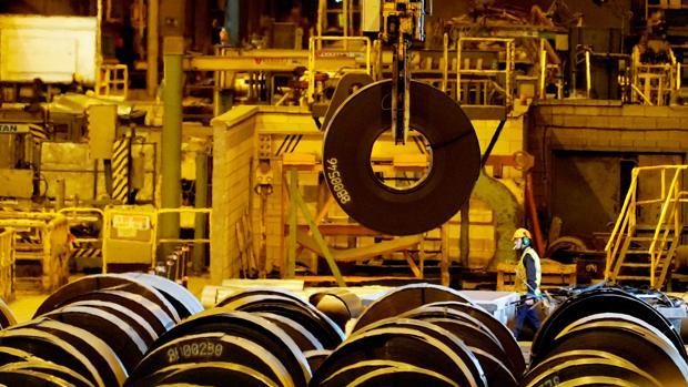 Una planta de acero de ArcelorMittal en Sestao, España