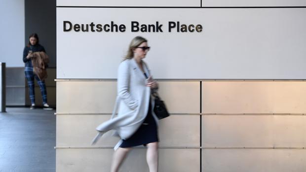 La entidad alemana reducirá su plantilla a unos 74.000 empleados de aquí a 2022