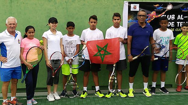 Torneo de tenis entre niños saharauis y canarios en Gran Canaria en Semana Santa
