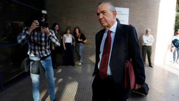 Roberto López Abad, a su llegada a la Audiencia de Alicante este lunes