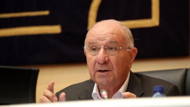 Julio Fermoso, durante su comparecencia en la comisión de las Cortes