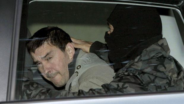 El ex portavoz de Batasuna Arnaldo Otegi, a su llegada a la Audiencia Nacional, en Madrid, en 2009
