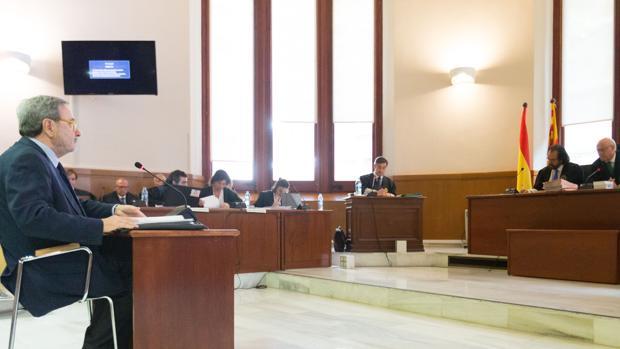 El expresidente de Catalunya Caixa, este jueves declarando ante la Justicia