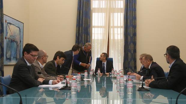 Reunión de la Mesa del Agua en Alicante, este miércoles, presidida por César Sánchez