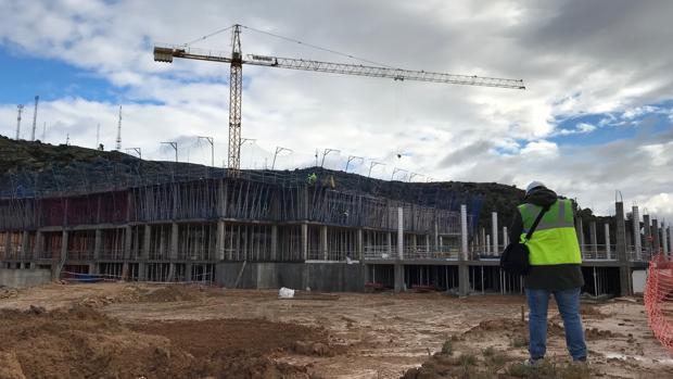 Aspecto que presentan en estos momentos las obras del nuevo Hospital de Alcañiz