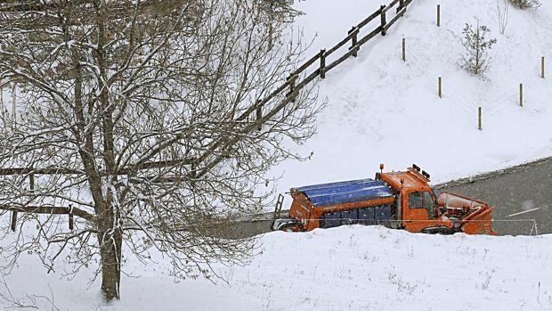 La gran cantidad de nieve acumulada en pocas horas eleva el riesgo de avalanchas