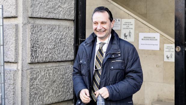 El exalcalde de Segovia, Pedro Arahuetes, a la salida de su declaración