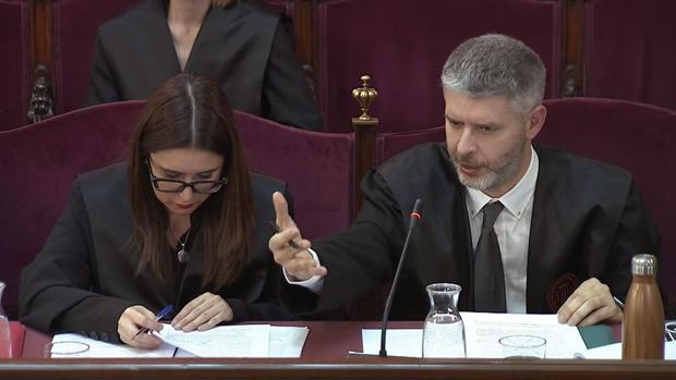 El abogado de Oriol Junqueras, Andreu Van den Enyde, en el juicio que se celebra en el Tribunal Supremo