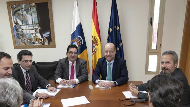 Visita del secretario de Estado para la UE, Luis Marco Aguiriano, a Pedro Manuel Ortega en febrero de 2019