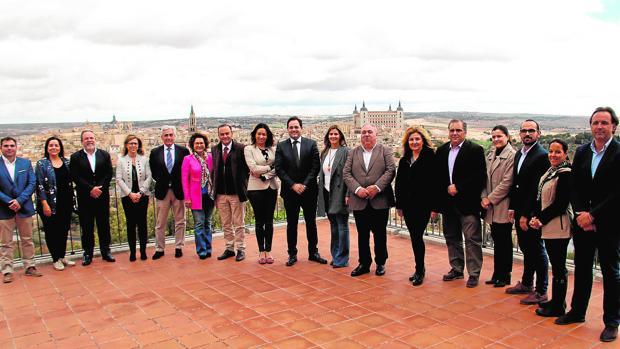 Paco Núñez con el resto de candidatos de sus partidos a las elecciones generales en el Parador Nacional de Toledo