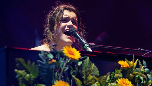 La cantante Amaia Romero durante su actuación en el Warm Up Festival 201
