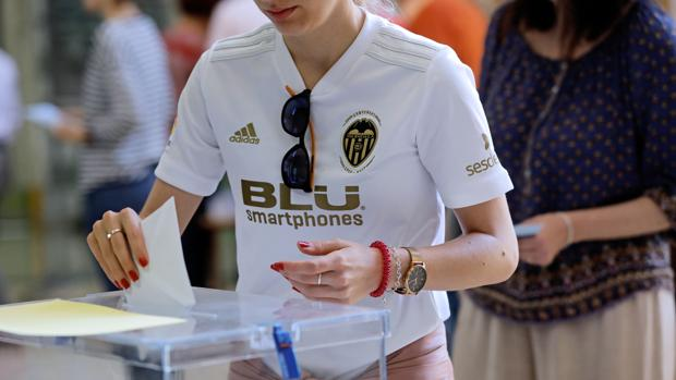 Imagen tomada en la jornada de este domingo 26M de elecciones municipales y europeas en Valencia