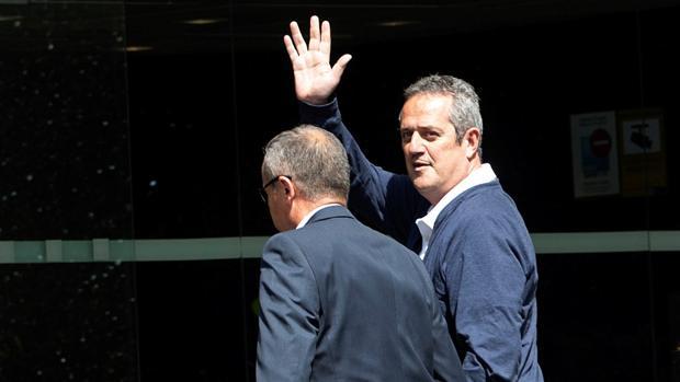 El exconsejero preso Joaquim Forn , a su llegada al Ayuntamiento de Barcelona