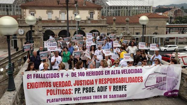 Manifestacion de victimas y familiares de victimas del accidente de Angrois en su 5º aniversario