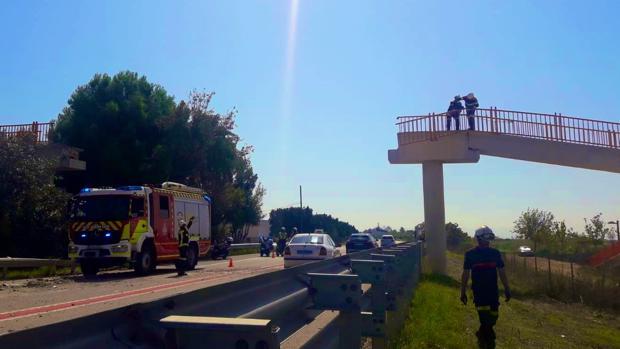 Imagen de la actuación de la policía y los bomberos en la zona