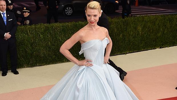Claire Danes, la protagonista de Homeland, con su vestido similar a Cenicienta en la gala Met