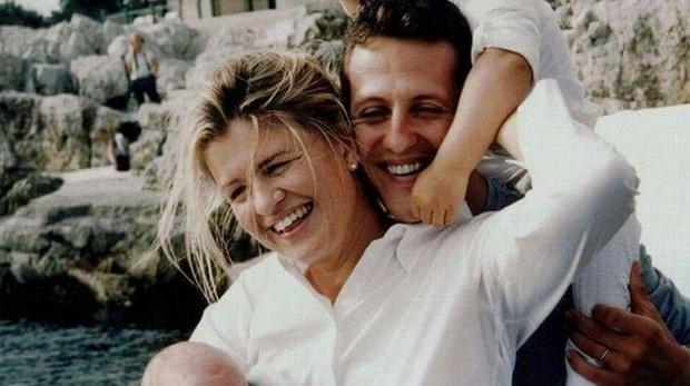 Corinna Betsch junto a su marido y sus hijos