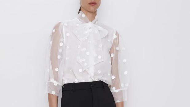 Camisa con transparencias