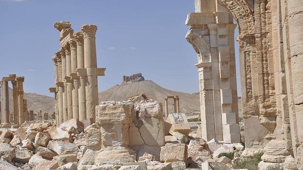 Vista de las ruinas del Castillo de Palmira (castillo de Fakhr-al-Din al-Ma'ani) en dicha ciudad histórica en Siria