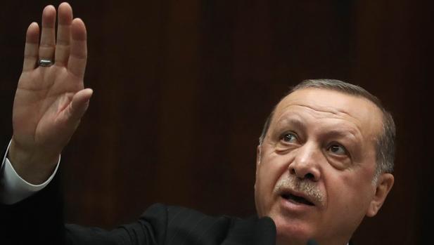 El presidente Erdogan, ayer, durante una reunión de su partido en la Gran Asamblea Nacional de Turquía,