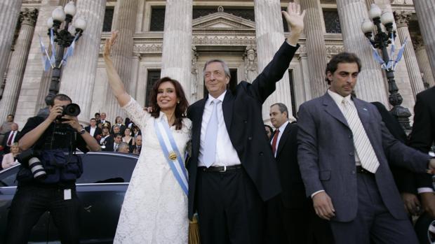 Fotografía de archivo del matrimonio Kirchner en diciembre de 2007