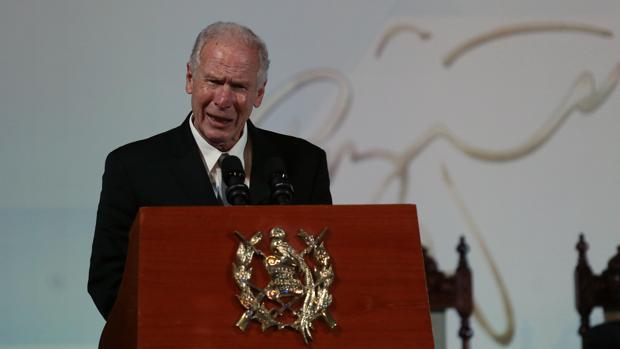 Alvaro Arzú, hablando durante los actos de conmemoración de los 21 años de la firma de los Acuerdos de Paz, el 29 de diciembre de 2017