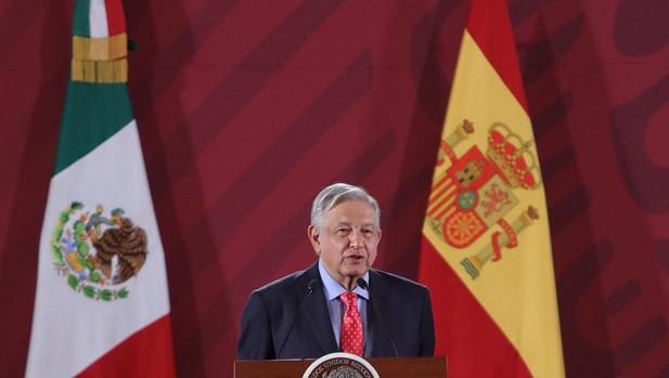 El presidente de México, Andrés Manuel López Obrador, habla durante la conmemoración del exilio republicano español en México esta semana