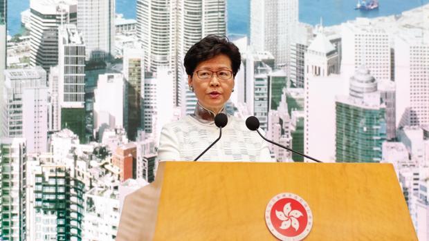La jefa ejecutiva, Carrie Lam, anuncia la suspensión de la ley de extradición