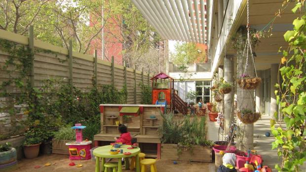 Diez colegios de Barcelona se convertirán en refugios climáticos