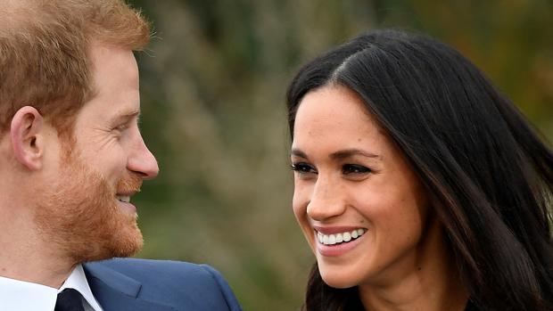 Meghan Markle y rl Principe Harry, este lunes tras el anuncio de su matrimonio